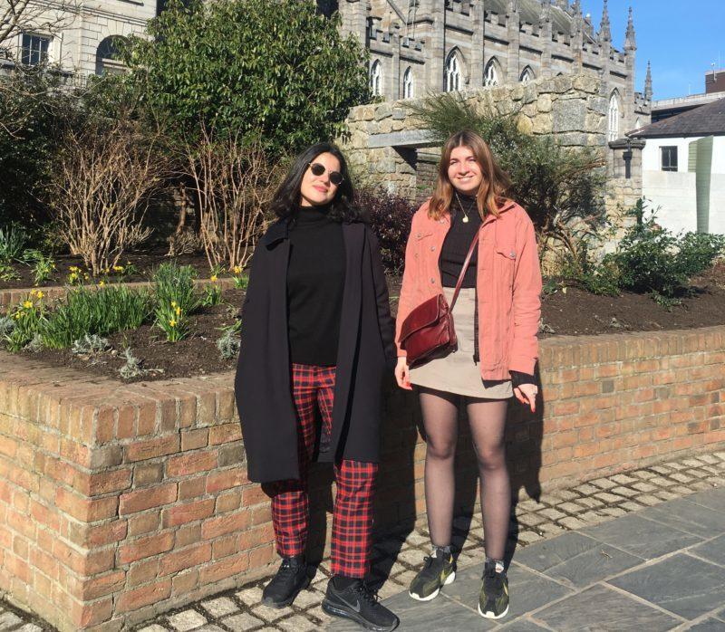 Lili et Zoé, étudiantes à l'ESP en échange universitaire à Dublin